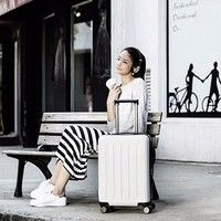 Фото Чемодан Xiaomi 90 Points Suitcase 20 Moonlight White 36 л Р25320